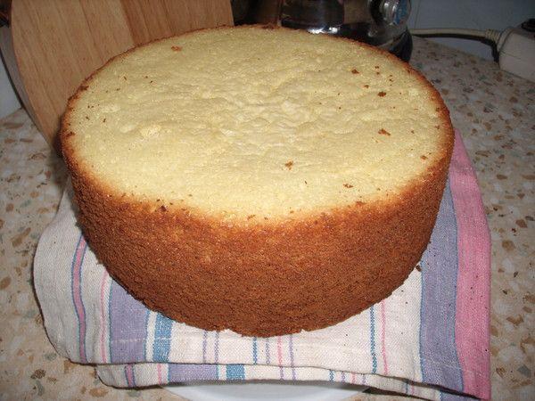 Испечь бисквит в кастрюле