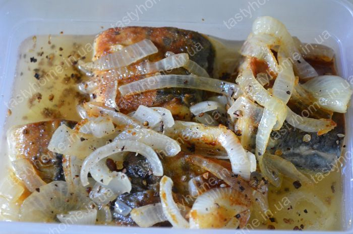 Скумбрия жареная с луком и морковью рецепты